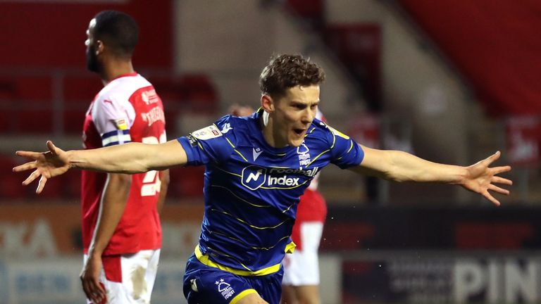 Yates steers Forest to victory