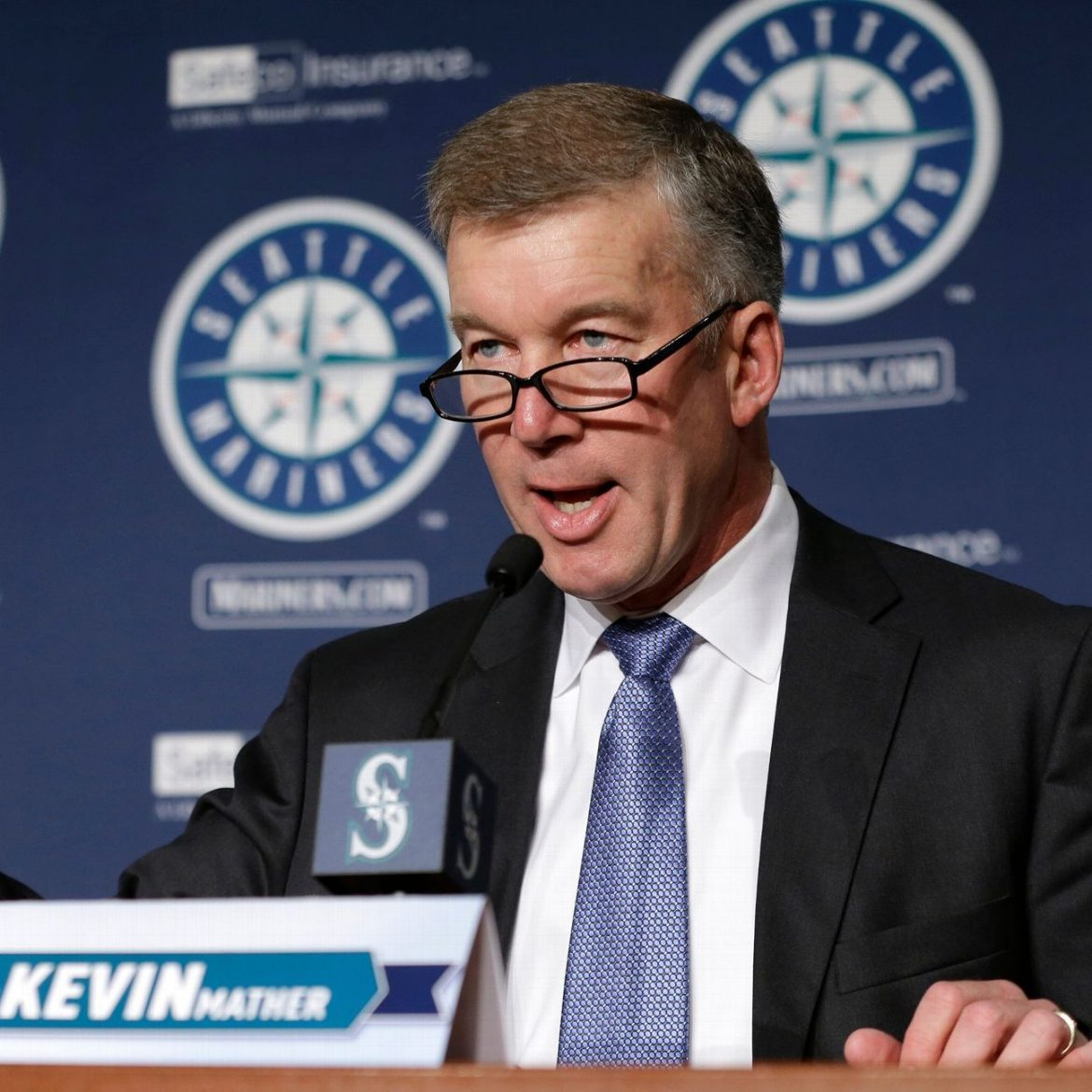 Mariners GM 'embarrassed' by exec's comments