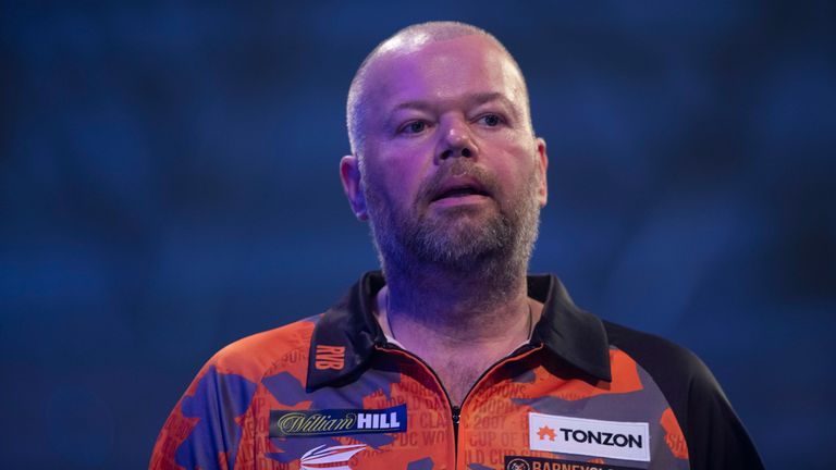 Van Barneveld treated after collapsing at PDC event