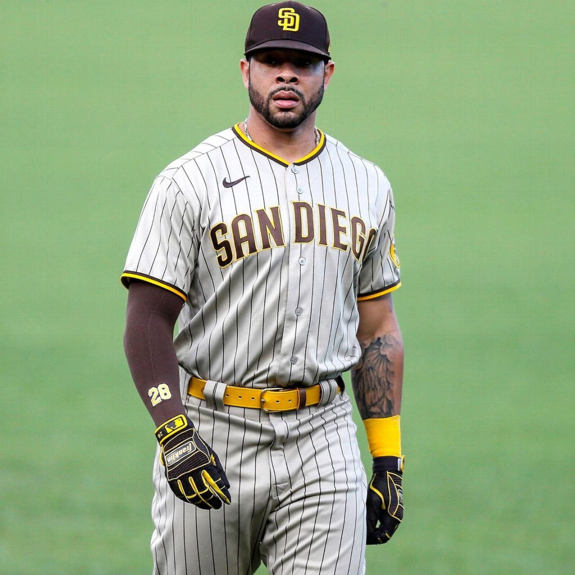Padres' Pham lucky to be playing after stabbing